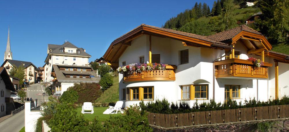 Stunning Azienda Di Soggiorno Val Gardena Images - Idee Arredamento ...